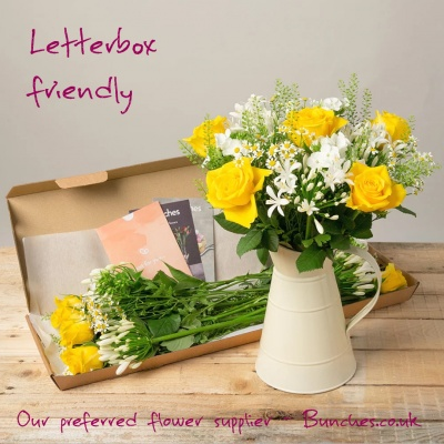 flowers_by_post_the_i_love_you_shop_letterbox_flowers_sienna_by_bunches_celebratethefeeling_x