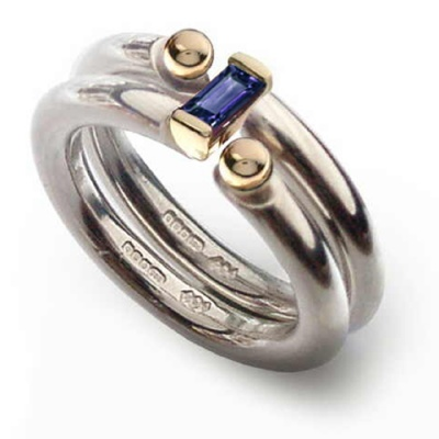 the_i_love_you_shop_celebratethefeeling_interlock_ring_iolite_close_up
